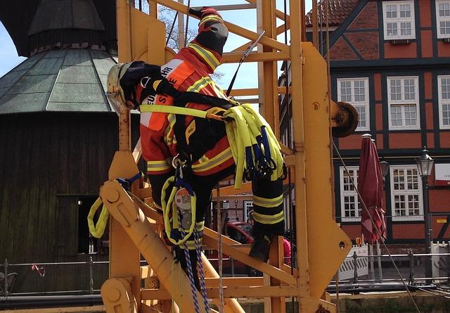 Free fire exercise crane climb feuerloeschuebung