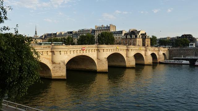 Free paris bridge pont neuf its water france