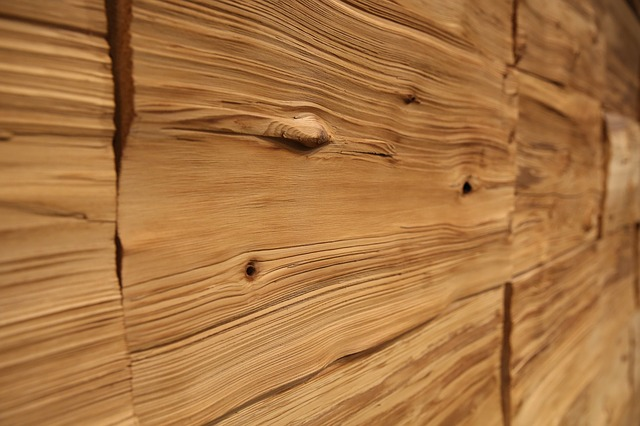 Free wood wall annual zone wrinkles
