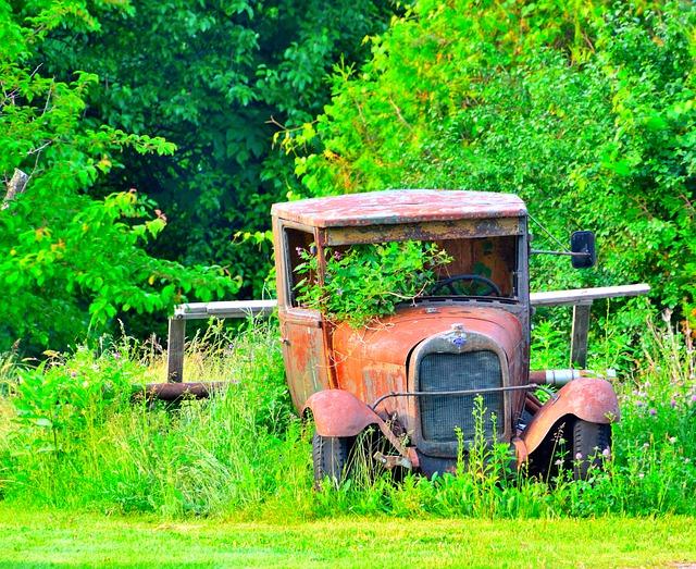 Free antique car final rest abandoned rust broken
