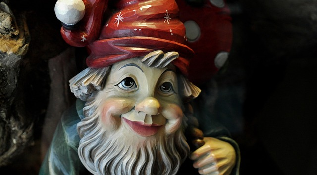 Free wood dwarf craft carved wood carving carve face