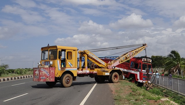 Free accident highway road crane recovery karnataka