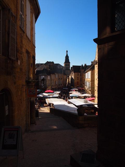 Free sarlat village town market