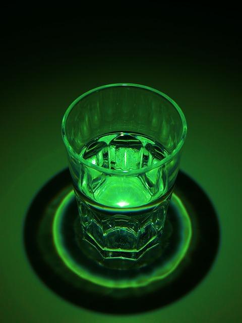 Free green light dark glass exposure contrast water