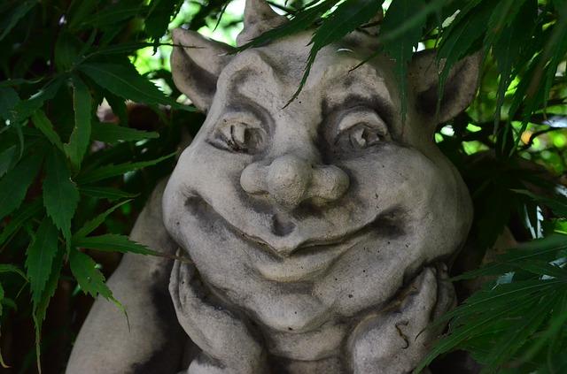 Free stone figure garden sculpture mythical creatures