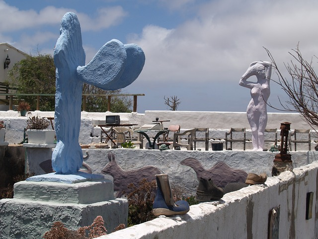Free statues art lanzarote