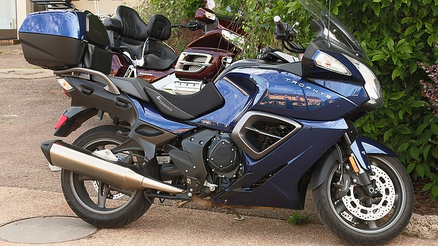 Free motorcycles saulieu morvan blue black triumph