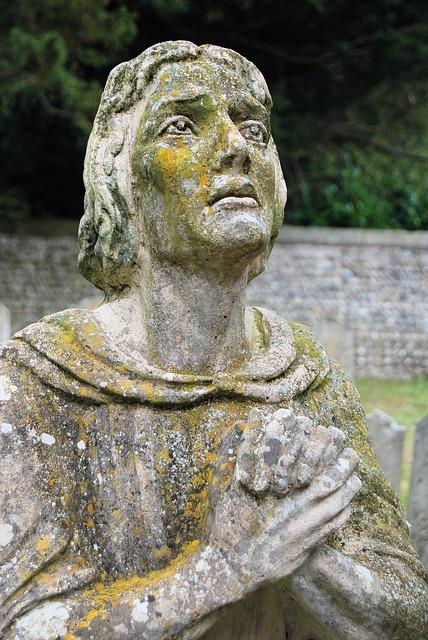 Free statue churchyard memorial praying sculpture