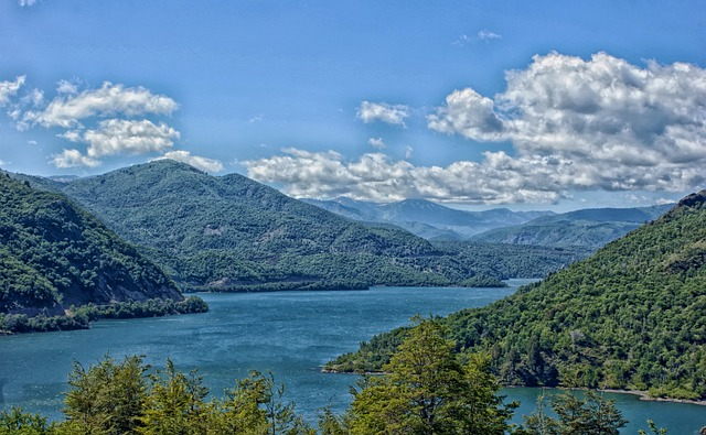 Free chile reservoir water mountains valley sky clouds