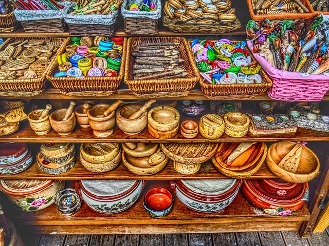 Free gifts souvenirs toys wooden hdr