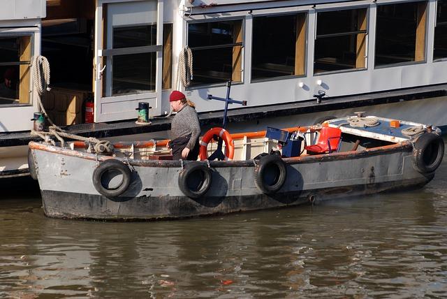 Free skiff boatman river thames london