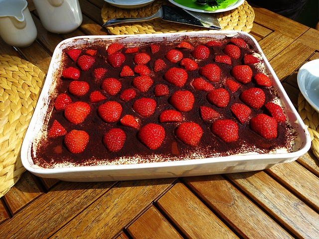 Free tiramisu sweet dish strawberries delicious red