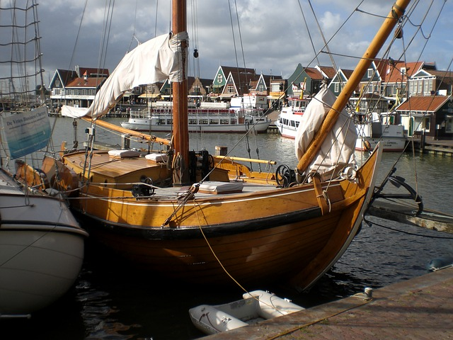 Free holiday sailing vessel holland