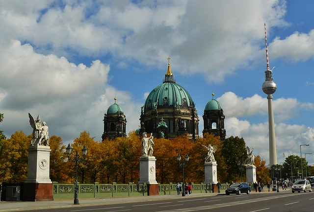 Free berlin cathedral dom church berlin landmark