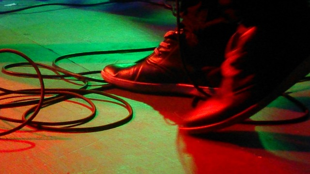 Free feet foot band stage guitarist cables