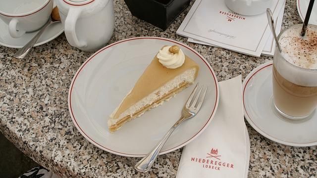 Free cake marzipan nut cake coffee lübeck niederegger