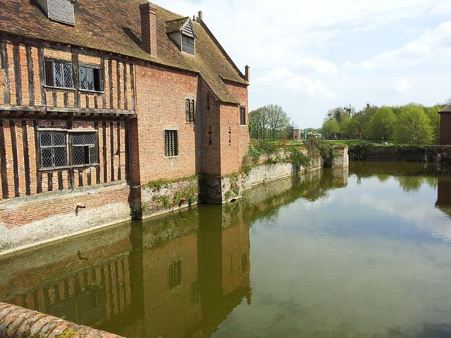 Free kentwell hall suffolk moat castle reflection