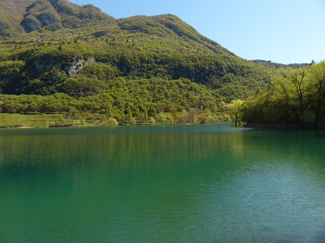 Free tenno lake see waters italy landscape nature