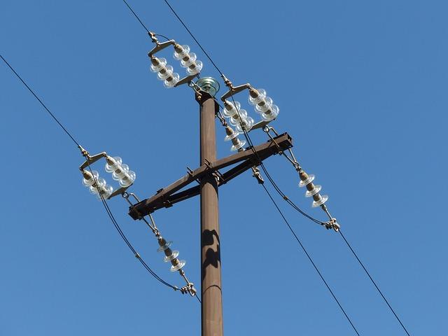 Free insulators overhead line electricity pylon strommast