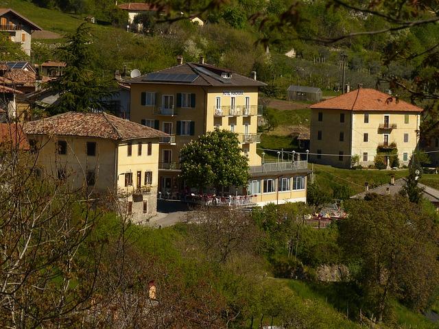 Free pregasina village garda homes hotels italian
