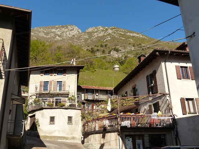 Free homes community village pregasina italy italian