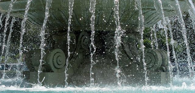 Free water falling water fountain water fountain outside