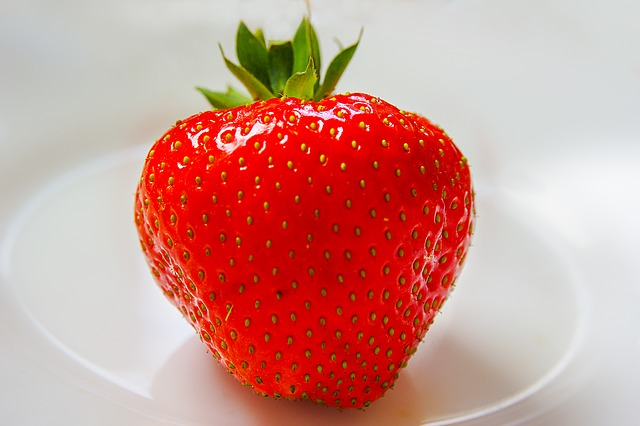 Free                strawberry fruit red sweet ripe garden strawberry