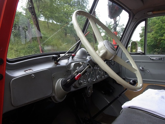 Free auto oldtimer fire red handlebars steering wheel