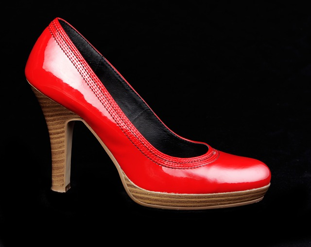 Free                shoes red stock add woman