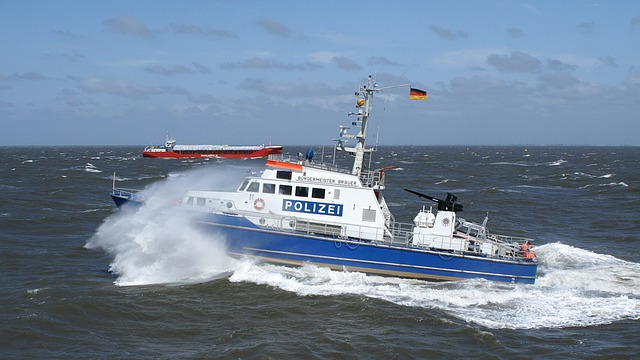 Free police boat boot use einsatzkraefe cuxhaven police