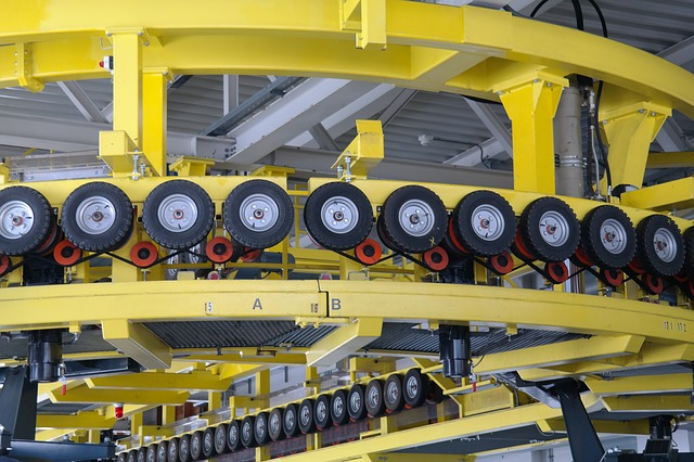 Free redirection cable car yellow roll wheels