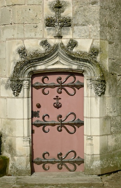 Free door iron castle pierre forged france former