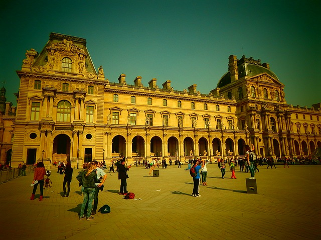 Free louvre paris building france old town