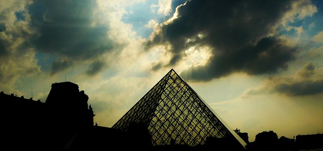 Free paris pyramid louvre glass pyramid darkness