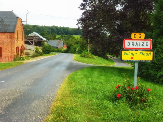 Free draize france village buildings street road sign