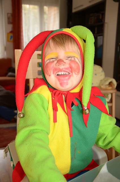 Free carnival boy costume harlequin yellow red green