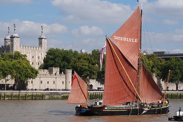 Free tower of london river thames historical landmark
