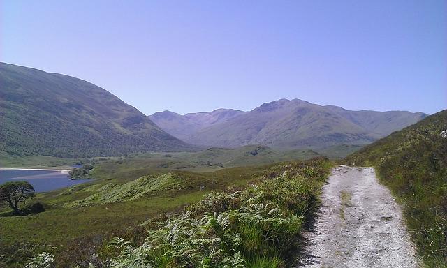 Free path scotland loch mountains loch affrich mountain