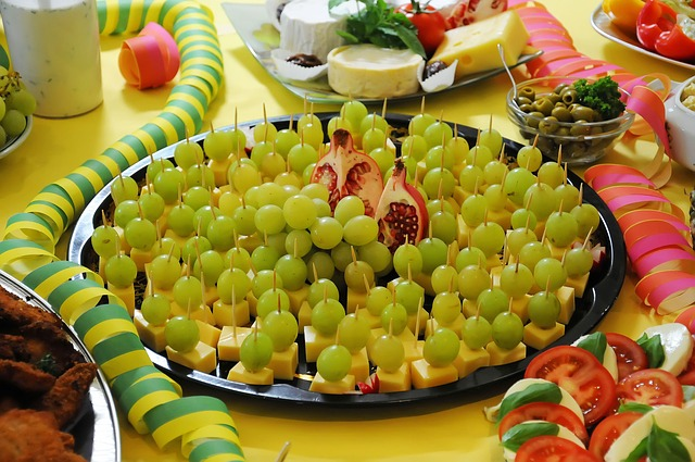Free buffett grapes cheese food delicious
