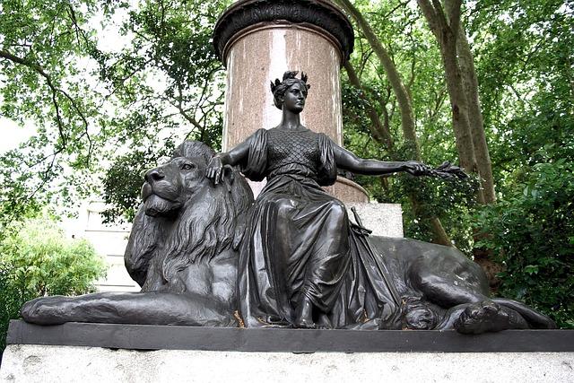 Free statue bronze waterloo place london britannia lion