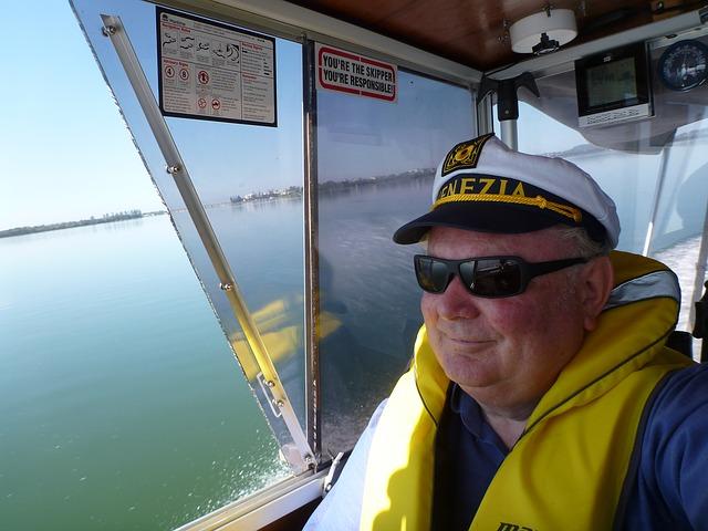 Free man person captain power boating tuggerah lakes