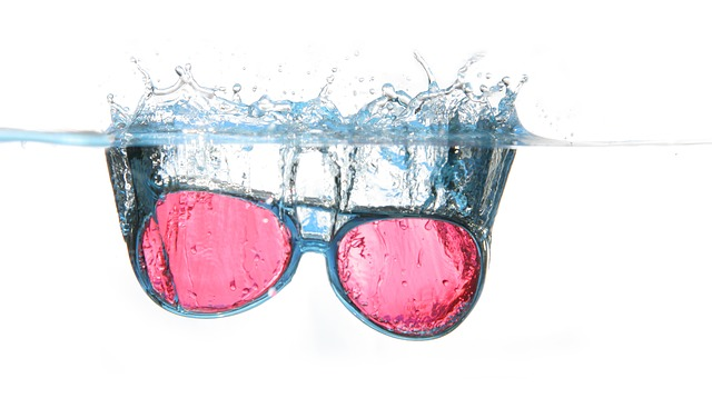 Free                glasses water spray water surface diving blow