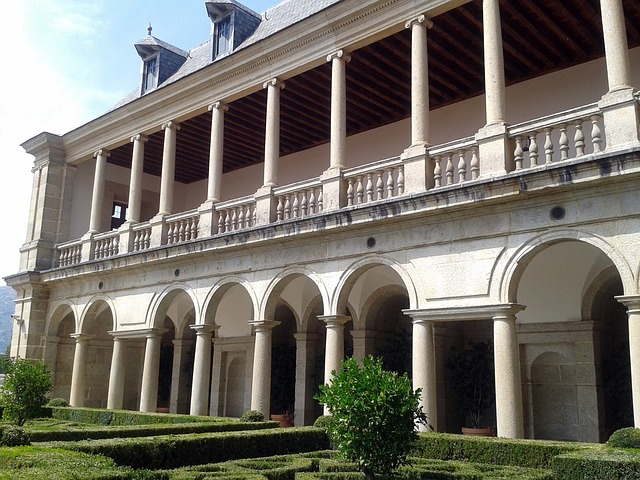 Free dump building heritage monastery san lorenzo
