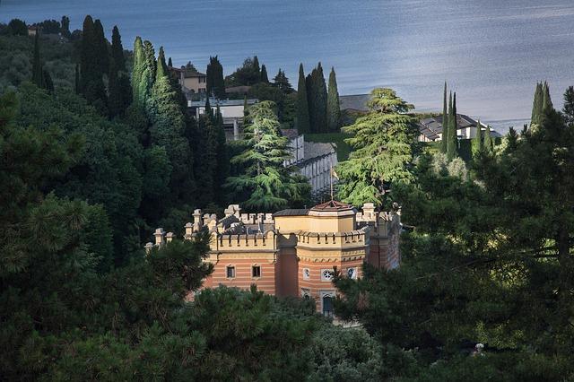Free villa castle dream home hotel garda see italy
