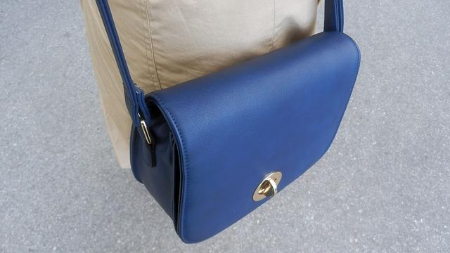 Free bag fashion detail