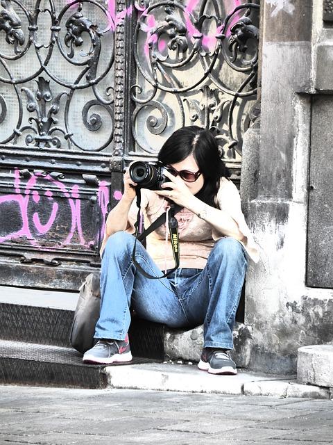 Free photographer woman photograph motif motif search