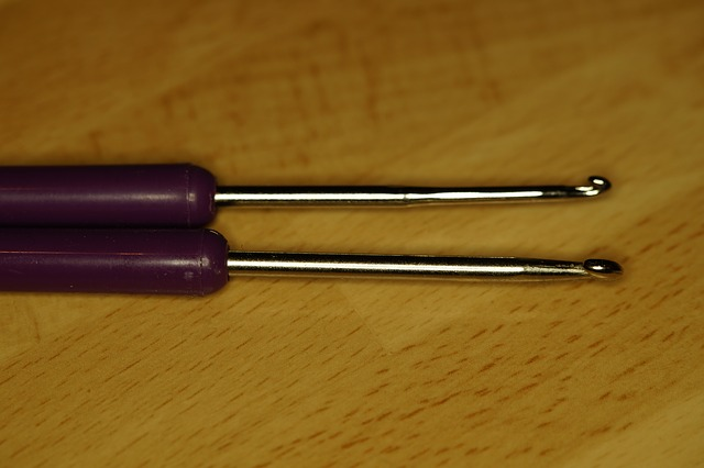 Free crochet hooks two crochet hobby hand labor wool