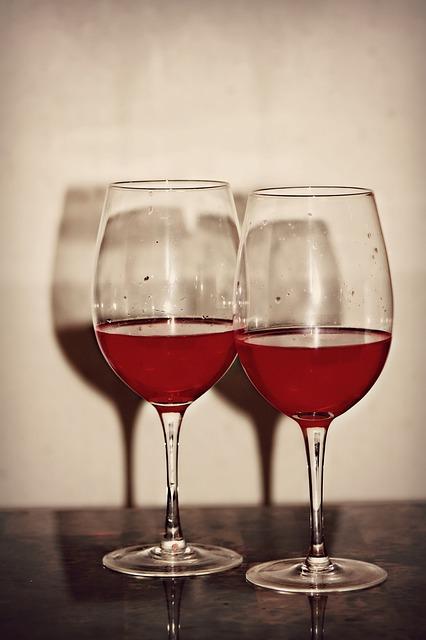 Free two red wine wine glass glass