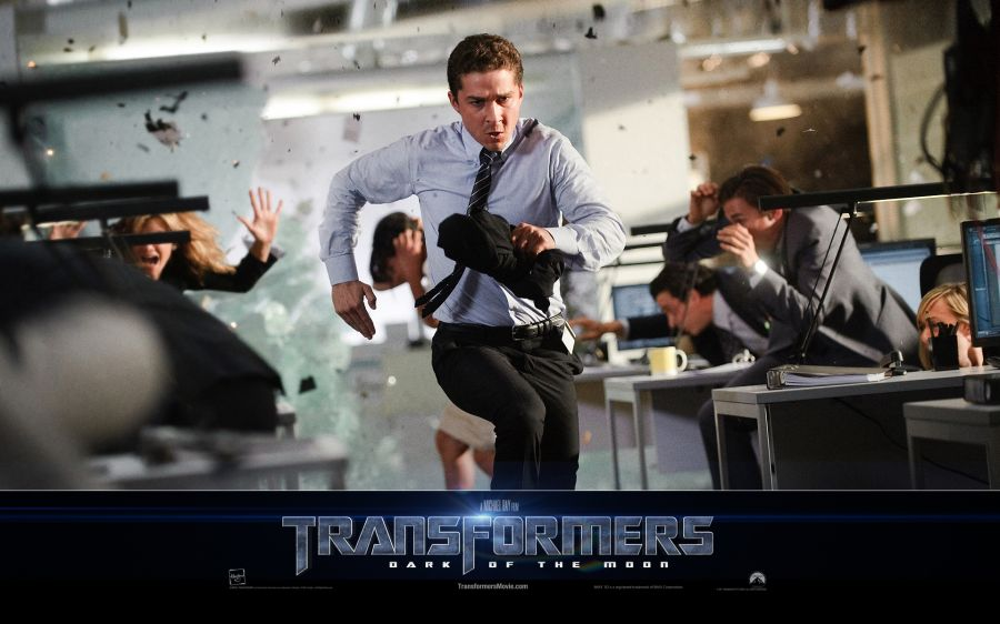 Free Wallpapers: Shia LaBeouf Scene in Transformers 3 | Movies