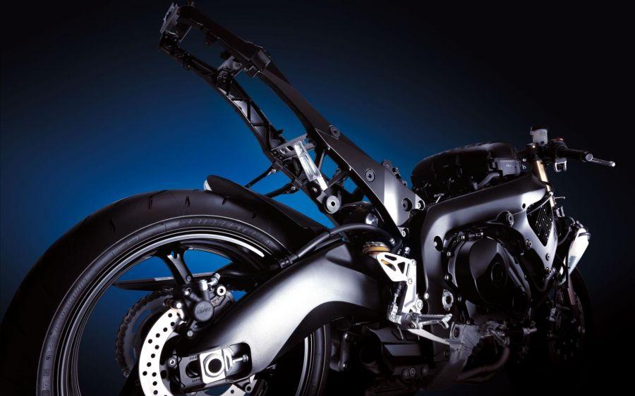 Free Wallpapers: Suzuki Gsx R1000 Back Wide | Transportation